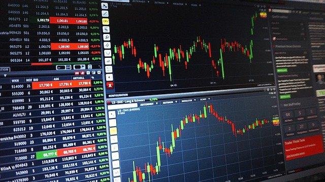 Tips om aandelen en brokers te vergelijken